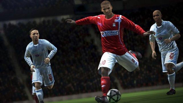 Frank Ribery kickt auf dem Bild noch bei Marseille, doch im Spiel ist der Star natürlich Bayer.