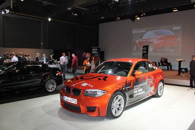 BMW wagt den gleichzeitigen Start eines echten und virtuellen Autos.