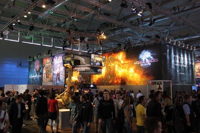 Ein Chocobo wacht über den Square-Stand, den Final Fantasy beherrscht.