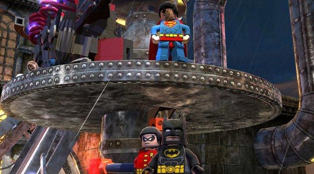 Die Klötzchen-Helden Batman, Robin und Superman bekämpfen das Böse in Gotham City.