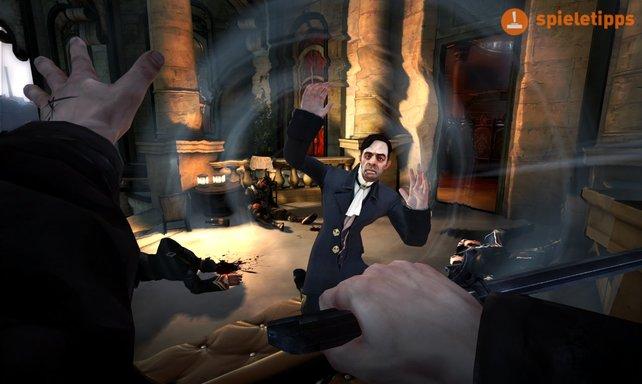 Dieser Herr geht gleich flöten. Euer Kraftstoß wird ihn durch den Raum schleudern.