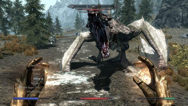 In Skyrim legt ihr euch häufig mit Drachen an. Die ziehen aber meist den kürzeren, denn ihr seid ein Drachenblut.