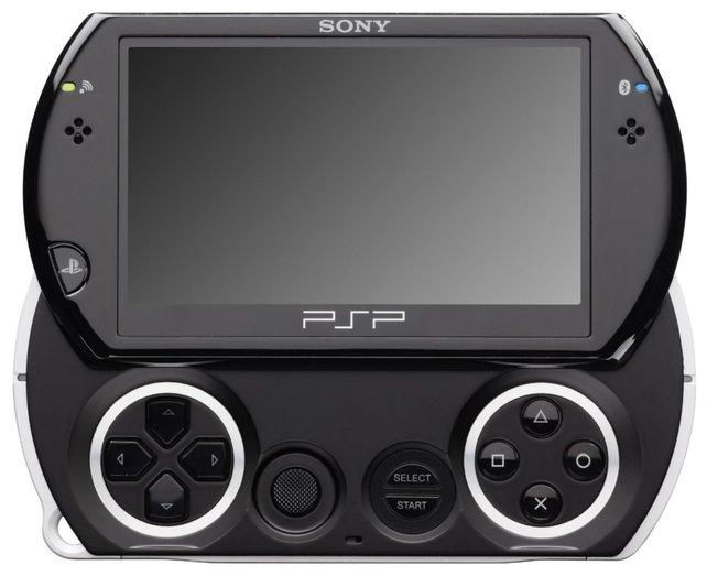 Die PSP Go! erinnert ein wenig an ein aufschiebbares Mobiltelefon.