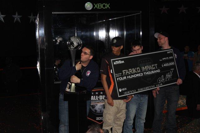 Fariko Impact ist Sieger des CoD Championship. Der Pokal erfährt, was Liebe ist.