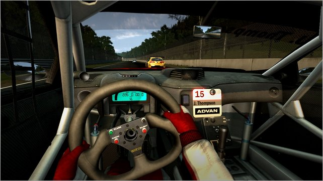 Die Cockpits gehören zu den Glanzleistungen von SimBin. Die tristen Umgebungen nicht.