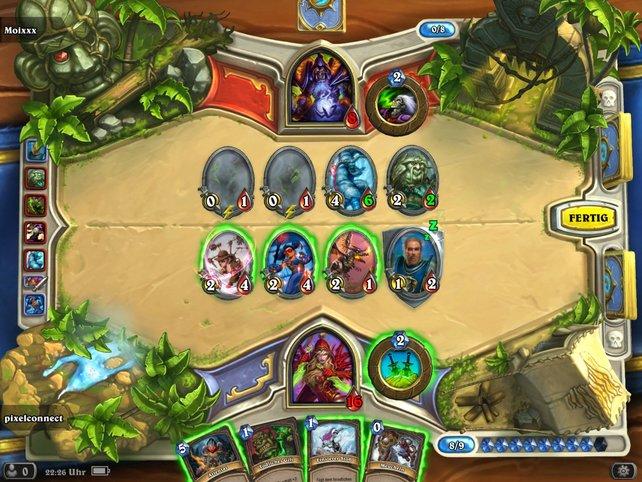 Genau wie auf dem PC entsteht ein taktisches Hin-und-Her mit dem Online-Gegner.