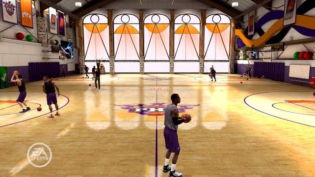 """In der """"NBA Live Academy"""" könnt ihr mit eurem Lieblingsverein üben."""