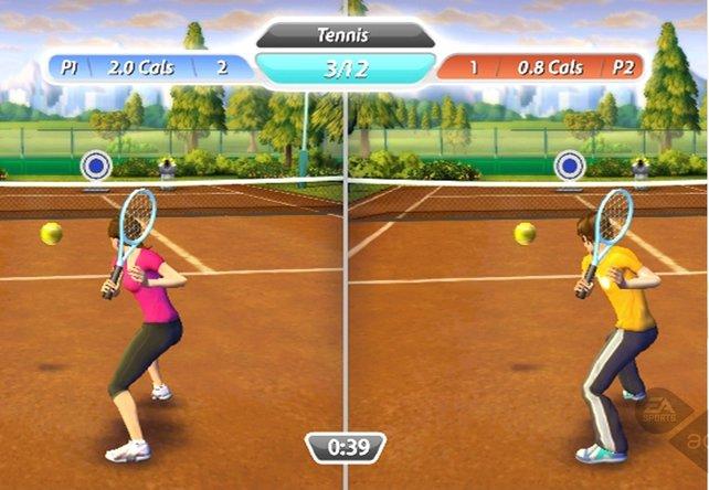 Das Tennisspiel lockert euer Fitness Training auf.