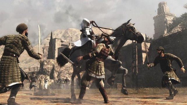 Selbst vom Rücken des Pferdes kann der Held töten.