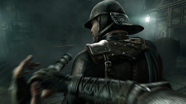 Kleiner Knüppel - große Wirkung: Der handliche Prügel setzt die Wachen außer Gefecht.