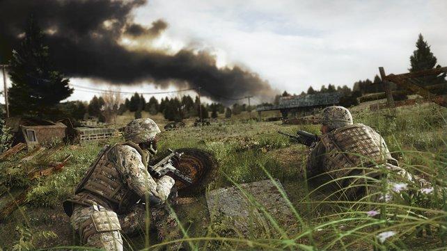 US Soldaten verstecken sich im detailgetreuen Gras