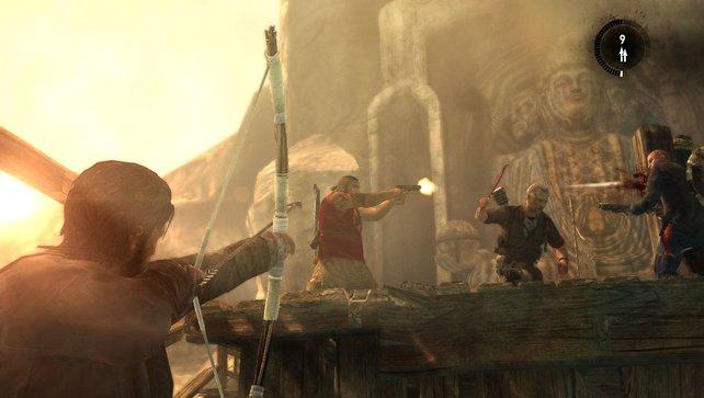 Mit Bogen und Knarren liefern sich acht Spielern heiße Gefechte.