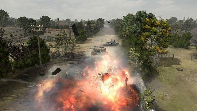 Wir zerballern mit unserem Panzer feindliche Fahrzeuge.