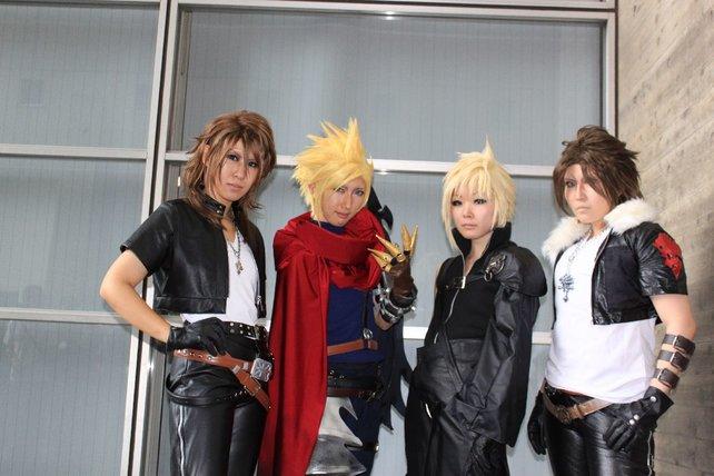 Ein Wiedersehen mit Videospiel-Helden vor den Hallen der Tokyo Game Show.