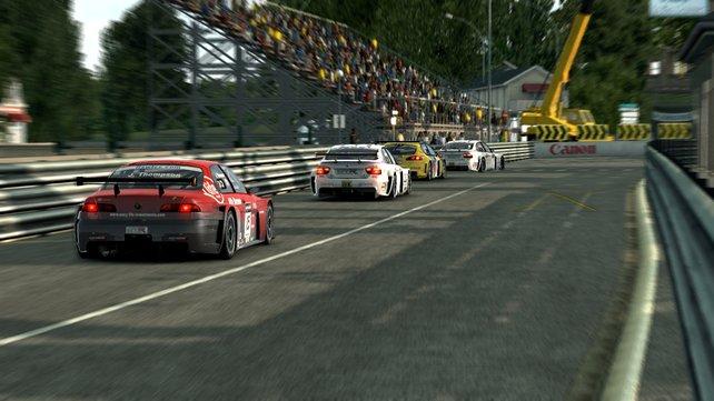 Hochgezüchtete Mittelklasse-Wagen treten in der FIA WTCC gegeneinander an.