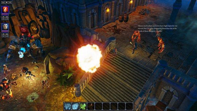 Im Kampf nutzen beide Spieler Nah- und Fernattacken taktisch.