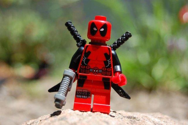 Deadpool ist dabei, aber nicht so frech wie im Comic.