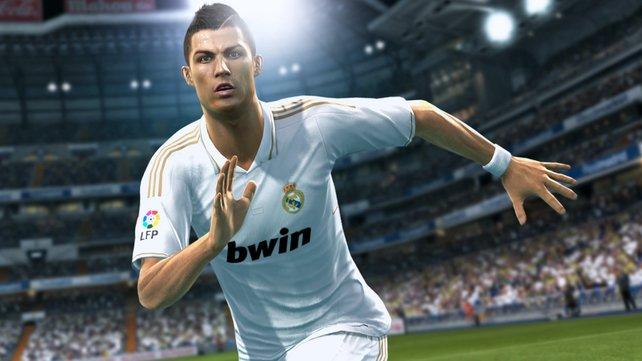 Superstar Cristiano Ronaldo ist in PES 2013 ähnlich dribbel- und schussstark wie in echt.