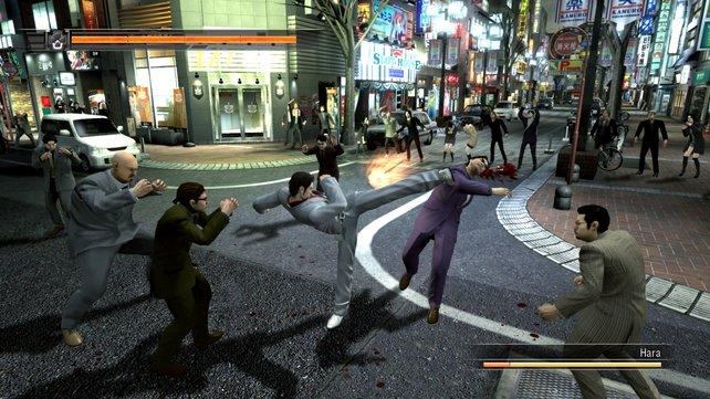 Im freibegehbaren Tokio kämpft ihr gegen fiese Gangster.