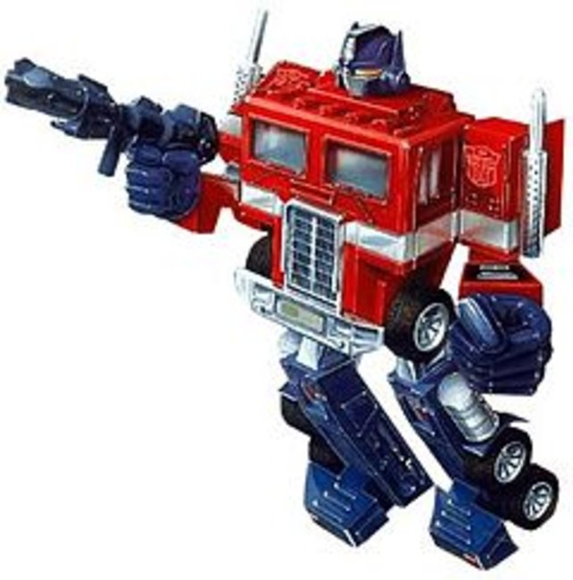Optimus Prime in seiner klassischen Aufmachung. Sein Oberkörper ist die Führerkabine eines Sattelschleppers.