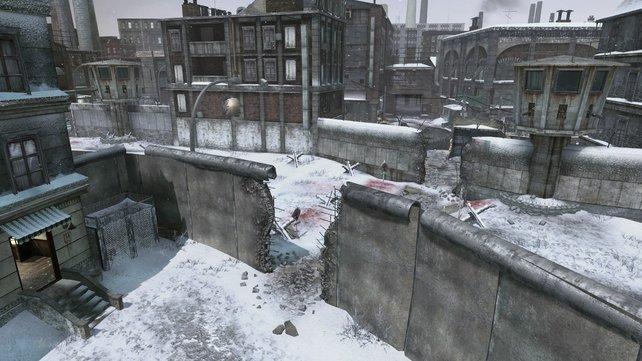 Die Berliner Mauer ist an drei Stellen unterbrochen - die Gelegenheit für Camper.