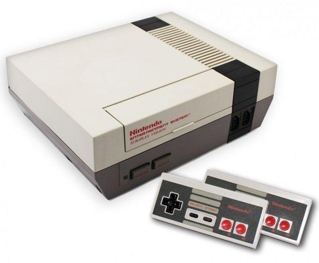 Als das NES auf den Markt kommt, ist es sehr ungewöhnlich, dass die Module hinter einer Klappe im Innern des Geräts verschwinden.