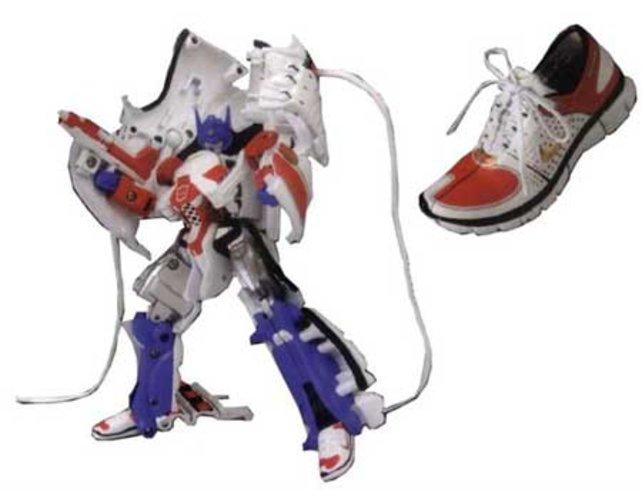 Vielleicht sollten die Autobots an ihre große Zeit als Konkurrenz der Schuhindustrie anknüpfen, das können sie besser.