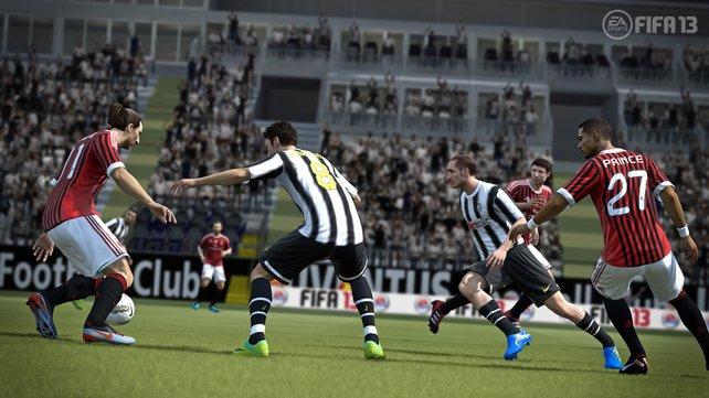 Ibrahimovic setzt im Zweikampf seinen Körper ein.