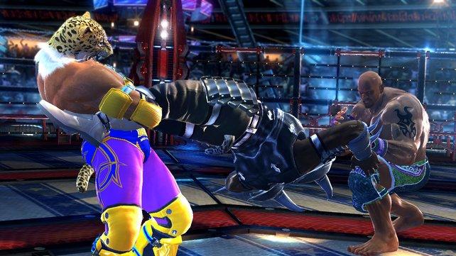 In Tekken Tag Tournament 2 nehmt ihr euren Gegner gleich mit zwei Charakteren in die Mangel.