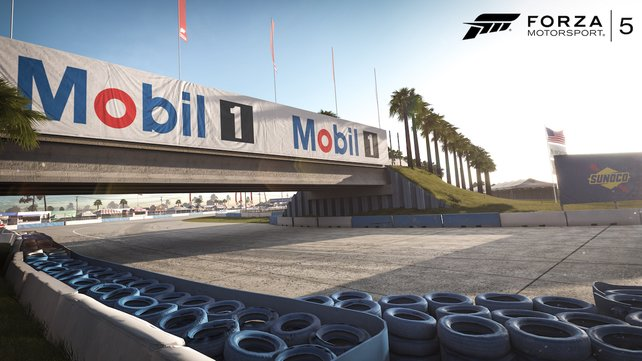 Die - zugegebenermaßen - wenigen Strecken in Forza 5 beeindrucken durch Details wie die korrekte Farb- und Werbegestaltung, Positionen der Bäume und Zuschauertribünen- sowie Zäune.