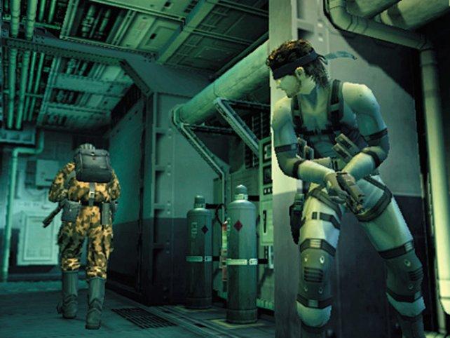 Auf einem Tanker macht Solid Snake das neueste Metal-Gear-Modell ausfindig.