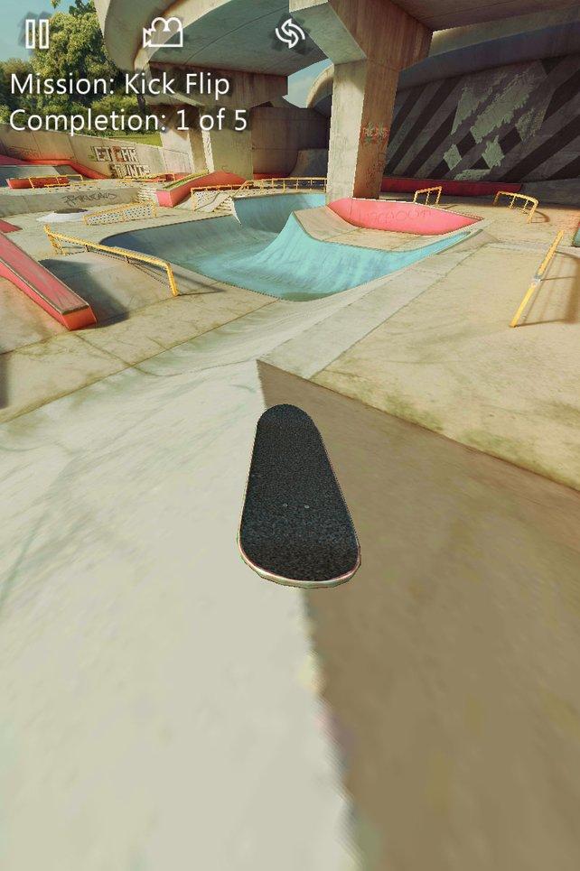 Mit der korrekten Geste vollführt ihr waghalsige Tricks auf dem Skateboard.