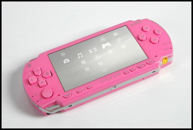 Die PSP-1000 gibt es auch als rosa Sondermodell - zu Ehren der Sängerin Pink.