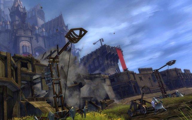 Mit Belagerungsmaschinen erobert ihr feindliche Festungen.