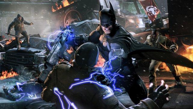 Im Spielverlauf erobert Batman Elektrohandschuhe und teilt damit kräftig aus.