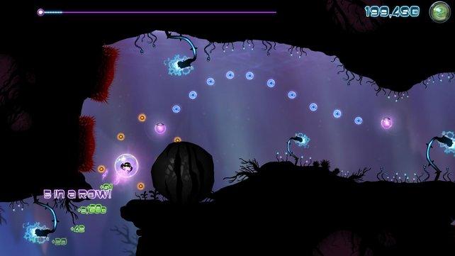 Versucht die blauen Kugeln einzusammeln, während ihr in der Blase steckt.
