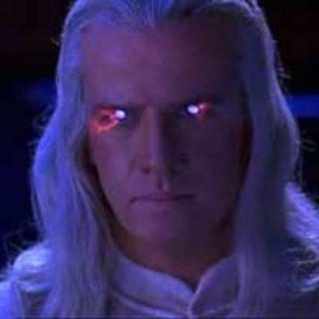 Christopher Lambert spielt im Film Raiden.