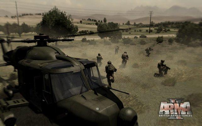 Aus dem Hubschrauber brechen die Soldaten in den Einsatz auf.