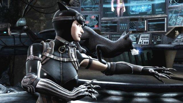 Catwoman verpasst euch eine Abreibung mit ihren Krallen.