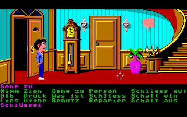 In Maniac Mansion erkundet ihr mittels klickbaren Kommandos ein unheimliches Anwesen.