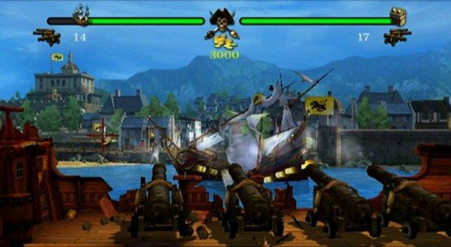 Bei der Attacke auf den Hafen müsst ihr die gegnerischen Schiffe und Geschütze treffen.