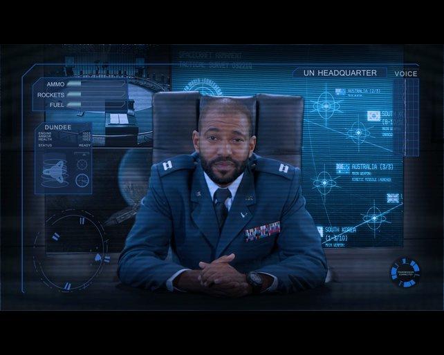 Die realen Darsteller erinnern an Wing Commander und Command & Conquer.