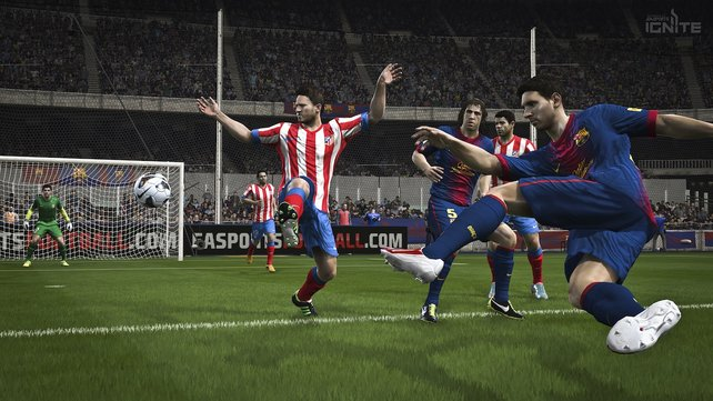 """""""Auf der nächsten Konsolengeneration verbessert sich die Optik von Fifa 14 - aber auch spielerisch sind komplexere Bewegungsabläufe möglich."""
