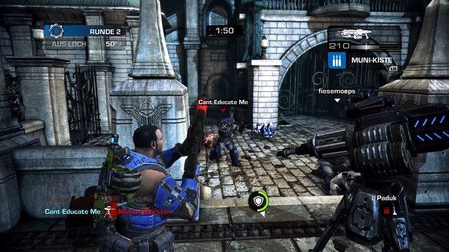 Online bekriegen sich auch Mannschaften von Menschen und Locust.