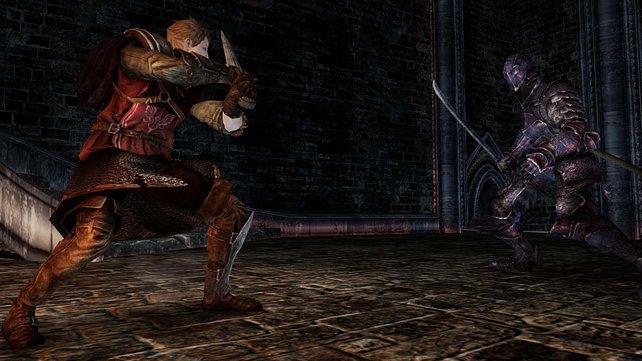 Der Ritter nimmt hier sein Schwert in beide Hände.