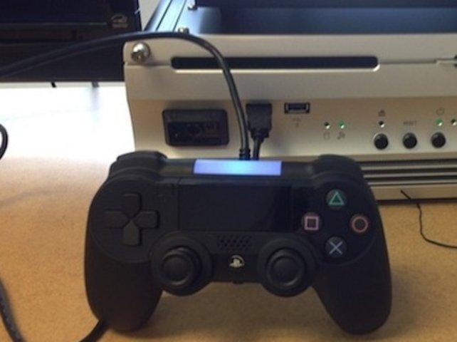 Der mögliche Prototyp des neuen Playstation-Controller mit Touchscreen.