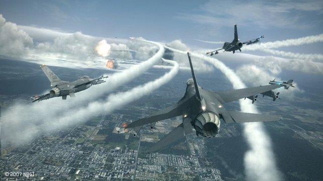 Die Rauchspuren der Raketenflugbahnen sind nur ein Detail der prachtvollen Optik.