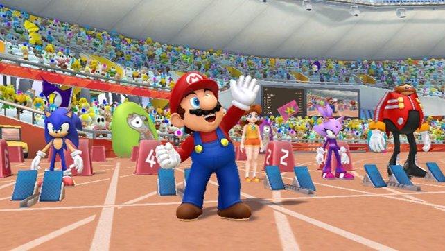 Mario winkt dem Publikum zu.