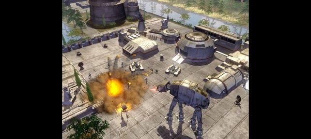 Star-Wars-Taktiker kommandieren Rebellen- und Imperialtrupps (hier: Empire at War).