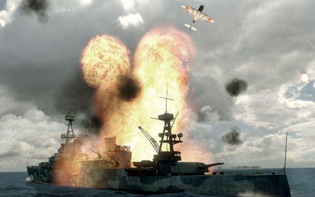 Gut gezielt: Eine Bombe versenkt das US-Schiff.
